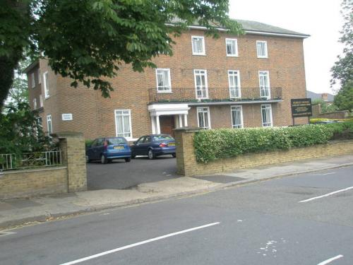 Photo of Dudley House, The Grove, Isleworth from the Scoot website