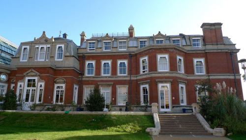 Spring Grove House at West Thames College, London Road, Isleworth