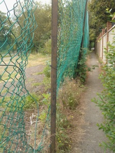 Wood Lane to Ridgeway Road North fencing to be replaced